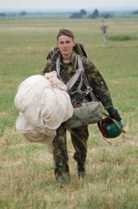 Летчик Дмитрий Заславец. Истребительная авиация. Истребители, военные  самолеты. Прыжки с парашютом.