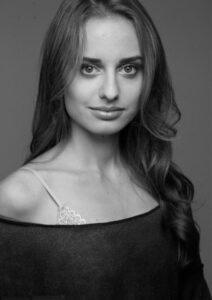 Модель, актриса, видеоблоггер Соня Есьман, здоровье, правильное питание, спорт, Канада