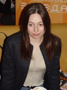 Певица Полина Ростова, верит в Бога, верующая