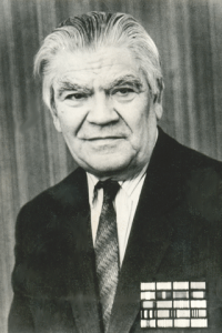 Александр Александрович Никонов