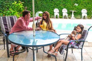 Певица Габриелла с семьей