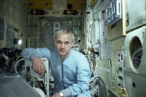 Летчик-космонавт Владимир Джанибеков