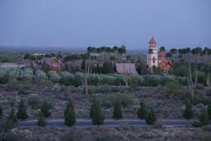 Монастырь святого Антония Великого в аризонской пустыне.