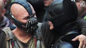 "Бейн и Бэтмен,  ""Темный рыцарь""."
