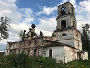 Воскресенский храм в деревне Журавлево на Суглицком погосте