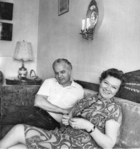 Станислав Ростоцкий с супругой Ниной Меньшиковой