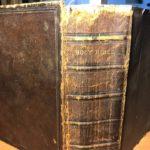 Библия на английском языке, изданная в Лондоне в 1859 году.