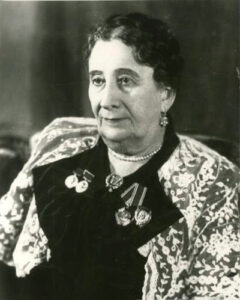 Народная артистка СССР Евдокия Дмитриевна Турчанинова