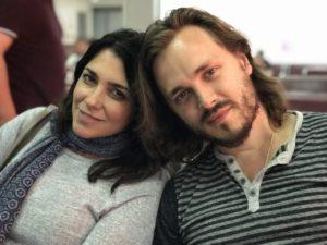 Элиза и Джонатан Джексон в аэропорту Минеральных вод.