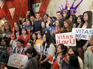 Певец Витас в Китае