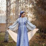 Работы с пуховым платком дизайнера Анны Советовой.