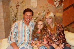 Певица Варвара с мужем Михаилом и дочкой Варей
