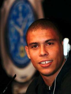Футболист Роналдо