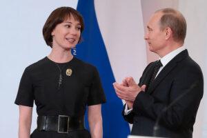 Чулпан Хаматова и Владимир Путин. Фонд Подари жизнь