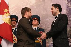 Р Кадыров - Е.Кунгуров вручение звания заслуженного артиста Чеченской республики.