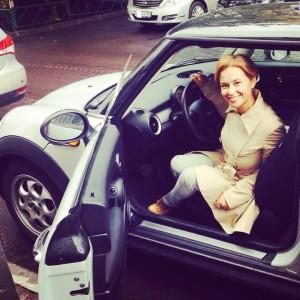 Наталья Русинова, автомобиль, водит машину