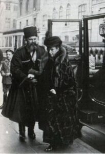 Тимофей Ящик и Государыня Императрица Мария Фёдоровна. Копенгаген. 1924 г.