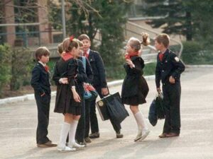 Советские школьники