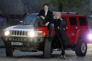 Антон и Виктория Макарские, автомобиль Хаммер.