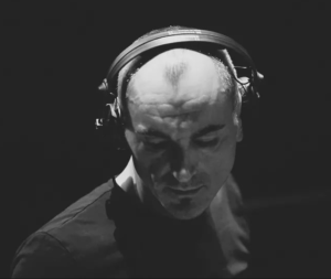Музыкант Роберт Майлз