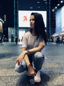 Певица Елена Князева отравилась в Китае