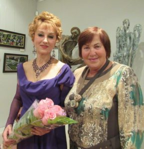 На концерте старинного русского романса с певицей Ириной Комленко.