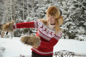 Певица Варвара, зима, вязание