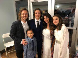 Актёр Джонатан Джексон с семьёй