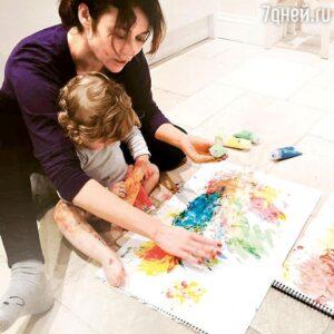 Ольга Куриленко с сыном Александром