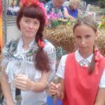 А это Даша Козычева из Ессентукского Терского общества дала мне шашку подержать.