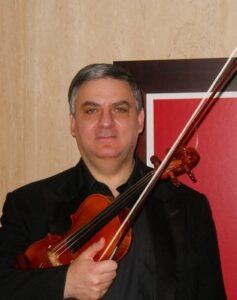 Музыкант Грегори Айриян