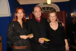 Владимир Коренев с женой и дочерью