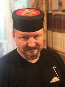 Григорий Николаевич Базлов в национальном головном уборе черногорцев – капе.