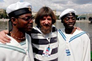 Фёдор Конюхов с афронамибийцами