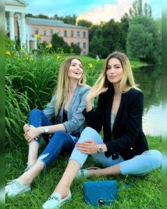 Полина и Анастасия Аммосовы