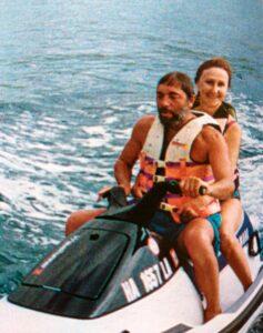 Эдуард Артемьев с женой на отдыхе