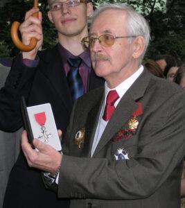 Василий Ливанов с орденом Британской Империи