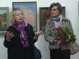Художница Наталья Корсун и журналист Елена Куджева.