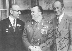С лётчиком, трижды героем - Иваном Кожедубом.